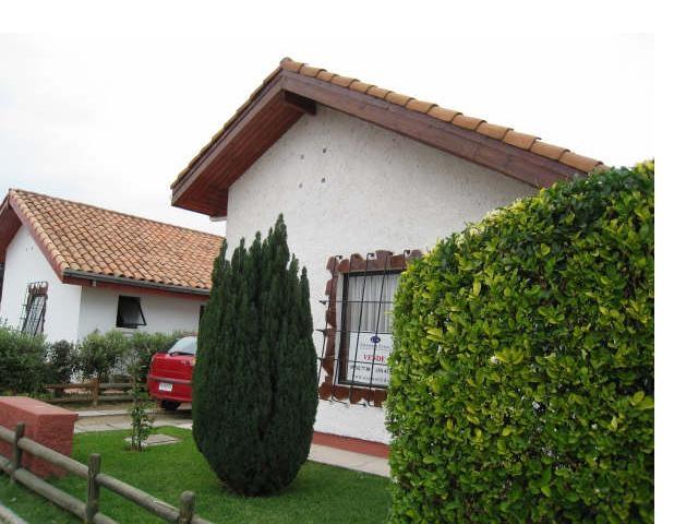 Foto de Limache vendo casa estilo colonial, piscina, condominio 40