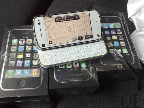 Foto For sell ::brand new nokia n900 ,samsung i8910,iphone 3gs 32gb,sony ecrisson c905,play station 3 80g