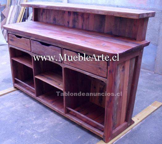 Bar rustico hecho de durmientes rusticos for Bar de madera chile